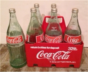 Coca Cola 6 Quart 1970's 32 oz Plastic Carrier & Bottles