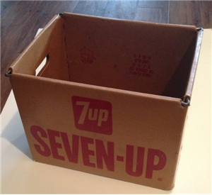 7 Up Seven Up Bottling Company Large Cardboard Metal Frame Bottle Holder Carrier