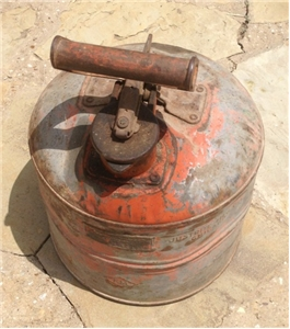 Old Vintage Underwriters Justrite Safety Metal Oil /Gas Can 2 Gallon