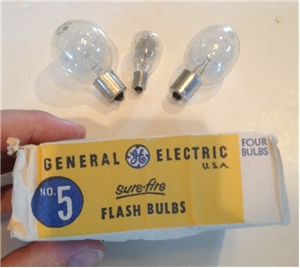 Old Vintage General Electric Flash Bulbs With Box No 5 Camera Collectibles